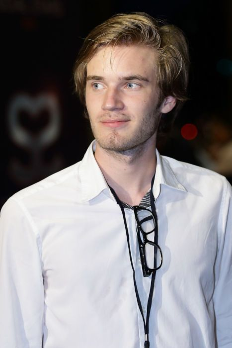 PewDiePie attends the Social Star Awards 2013