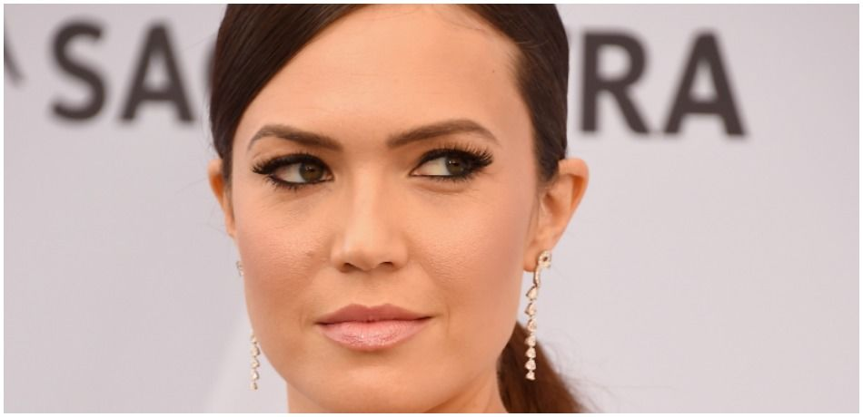 Mandy Moore attends the 25th Annual Screen ActorsGuild Awards.