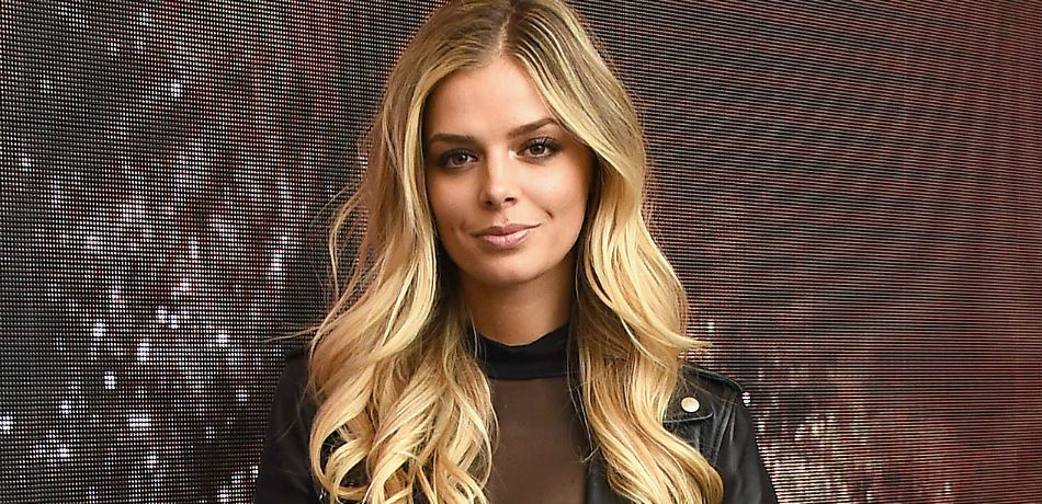 Danielle Knudson poses as she attends the 50th anniversary celebration of Wilhelmina with co-host Patti Hansen on November 14, 2017.