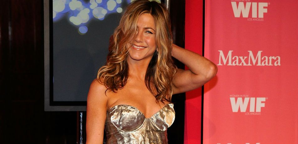 Jennifer Aniston arrives at the Women In Film 2009 Crystal And Lucy Awards