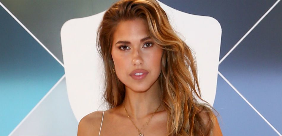 Kara del Toro poses as she attends Vital Proteins Collagen Water Beverly Hills Bash on November 16, 2019 in Beverly Hills, California.