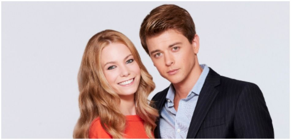 Chloe Lanier and Chad Duell play Nelle and Michael on 'General Hospital'