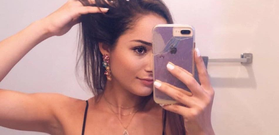Bru Luccas Flaunts Killer Assets While Sipping Coffee In A Beachside Hot Tub